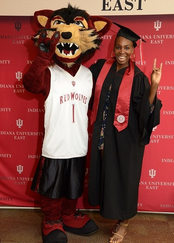Cherryjuice venus williams earns bachelors degree pics Associates degree in fashion design online